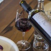 Cuatro Beneficios del Vino Tinto