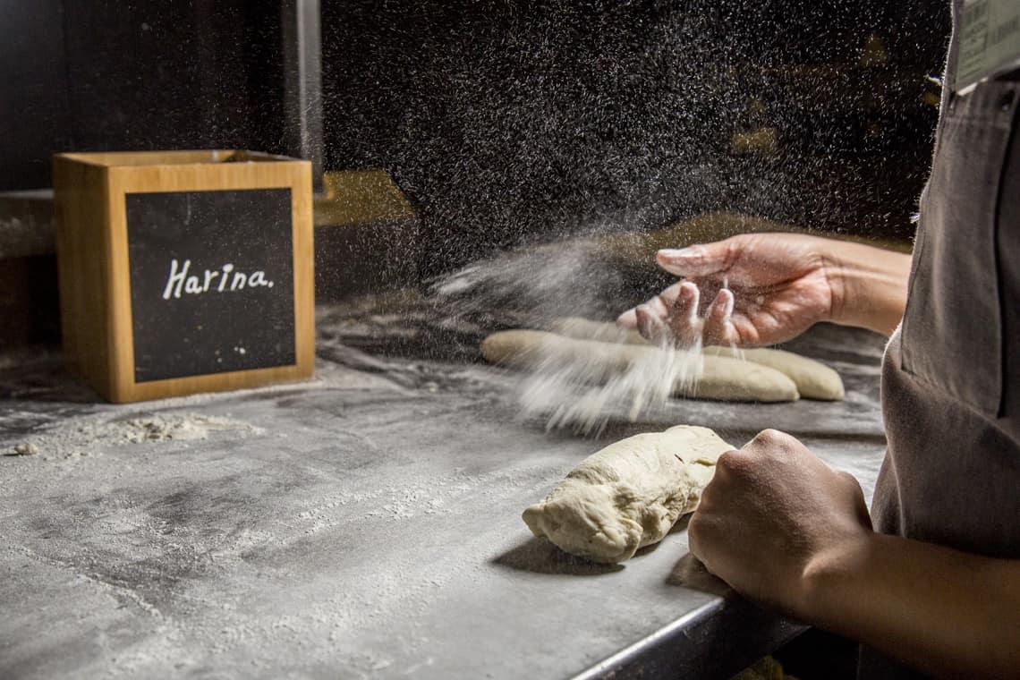 Acompaña tus comidas con pan recién horneado